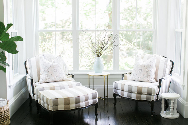 Reading nook chairs. Create a reading nook in your living room to add comfort and a finished look to your space. Ethan Allen Versailles Chair. #readingnook #nook #chairs #comfortablechairs Home Bunch Beautiful Homes of Instagram @finding__lovely