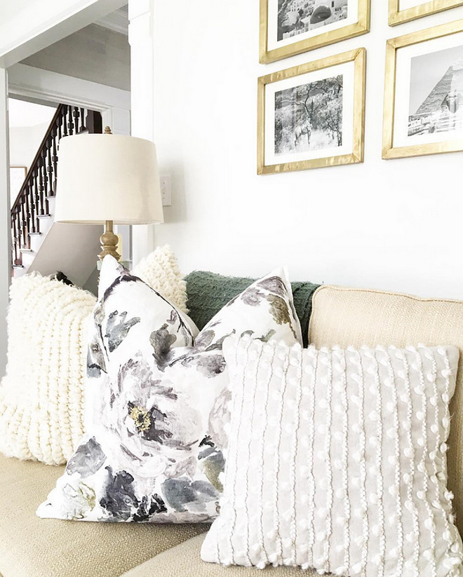 Sofa Pillow Combination Ideas. Sofa Pillow Combination Ideas. Floral Pillows: Designers Guild Shanghai Garden in Ecru from Burke Decor. Knit Off-white Pillows: Pottery Barn. Living room Sofa Pillow Combination Ideas #SofaPillowCombination #PillowCombinationIdeas Home Bunch Beautiful Homes of Instagram @finding__lovely