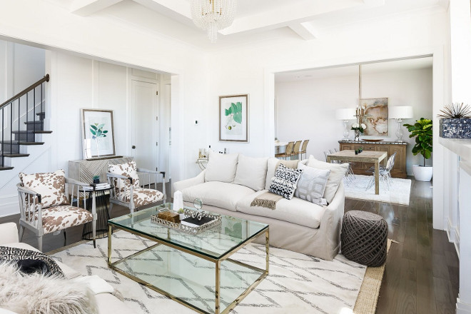 White Living room with brass accents. White Living room with brass decor. White Living room with brass accents. White Living room with brass accents #WhiteLivingroom #brassaccents #brassdecor Ramage Company. Leslie Cotter Interiors, LLC