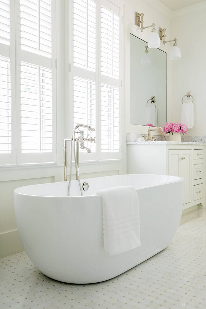 Bathroom Plantation shutters. Bathroom Plantation shutter ideas. Bathroom Window Plantation shutters #BathroomWindow #BathroomWindows #Bathroom #Plantationshutters Curran & Co. Architects