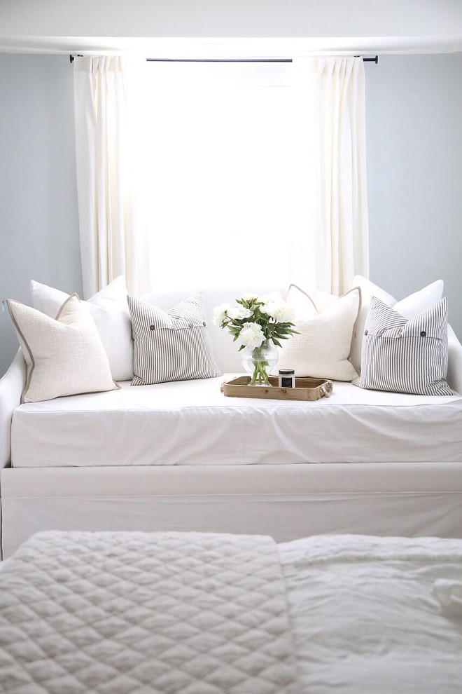 Bedroom Pillows. Bedroom Pillows. Bedroom Pillows. Bedroom Pillows. Bedroom Pillows. Bedroom Pillows #BedroomPillows #Bedroom #Pillows Home Bunch's Beautiful Homes of Instagram @cambridgehomecompany