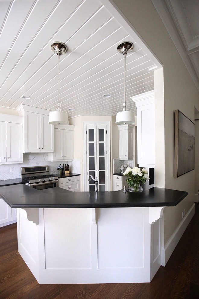 Benjamin Moore, Dove White OC-17. Benjamin Moore, Dove White OC-17 Kitchen Cabinet Paint Color Benjamin Moore, Dove White OC-17. Benjamin Moore, Dove White OC-17 #BenjaminMooreDoveWhiteOC17 #BenjaminMooreDoveWhite #BenjaminMooreDoveOC17 Home Bunch's Beautiful Homes of Instagram @cambridgehomecompany