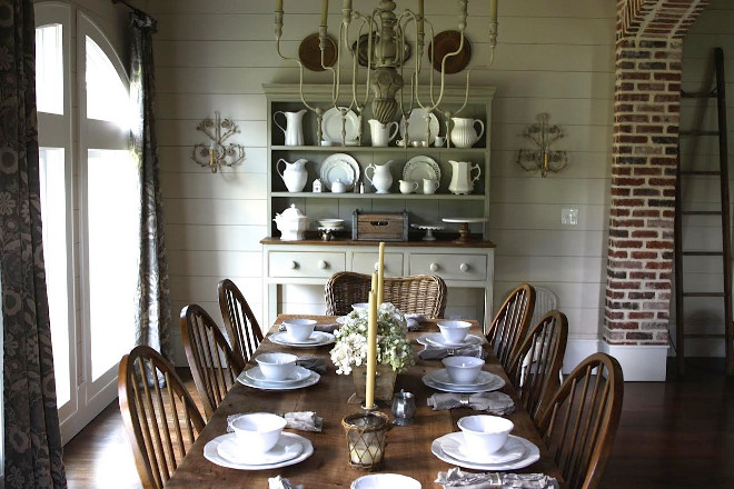 Benjamin Moore OC-17 White Dove. Farmhouse Dining room with shiplap walls painted in Benjamin Moore OC-17 White Dove #BenjaminMooreOC17WhiteDove #farmhouse #shiplap #paintcolor Home Bunch's Beautiful Homes of Instagram @blessedmommatobabygirls