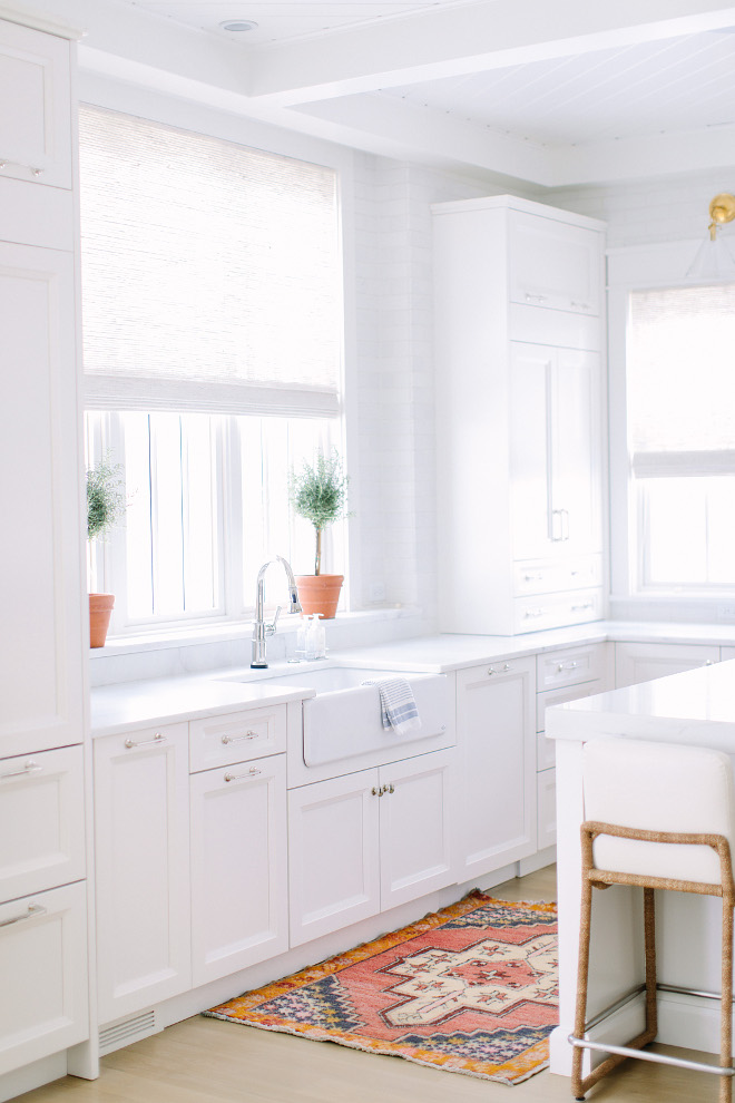 Best white for kitchens Benjamin Moore Simply White. Best white for kitchens Benjamin Moore Simply White. Best white paint color for kitchens Benjamin Moore Simply White #Bestwhitekitchenpaintcolor #Bestwhite #paintcolor #kitchens #BenjaminMooreSimplyWhite Kate Marker Interiors