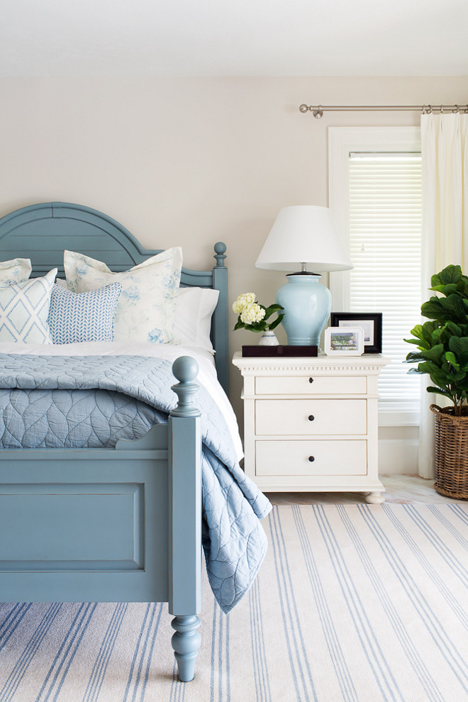 Coastal Bedroom Color Palette. Coastal Bedroom Color Palette Ideas. Coastal bedroom with creamy white walls and soft blues and turquoise accents. Coastal Bedroom Color Palette #CoastalBedroom #CoastalColorPalette #creamywhites #softblues #turquoise #colorpalette Lischkoff Design Planning