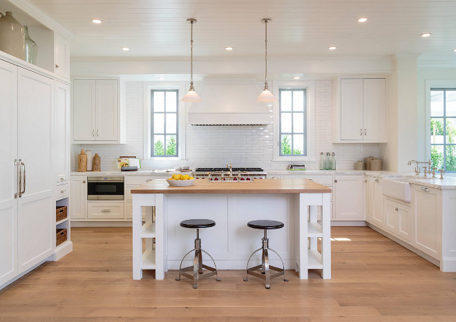 Crisp White Kitchen Rift and Quartered White Oak Hardwood Floors. Crisp White Kitchen Rift and Quartered White Oak Hardwood Flooring. Crisp White Kitchen Rift and Quartered White Oak Hardwood Floors #CrispWhiteKitchen #RiftandQuartered #WhiteOak #HardwoodFloors Haefele Design