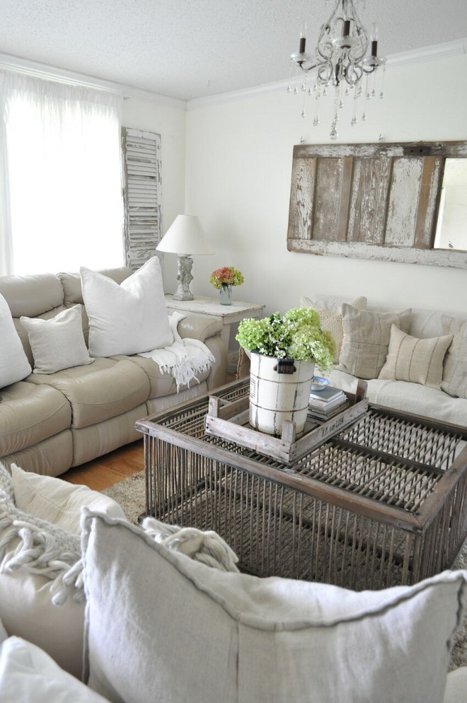 DIY crate coffee table. DIY crate coffee table ideas. DIY crate coffee table. DIY crate coffee table #DIYcratecoffeetable #DIYcoffeetable Home Bunch's Beautiful Homes of Instagram @becky.cunningham.home