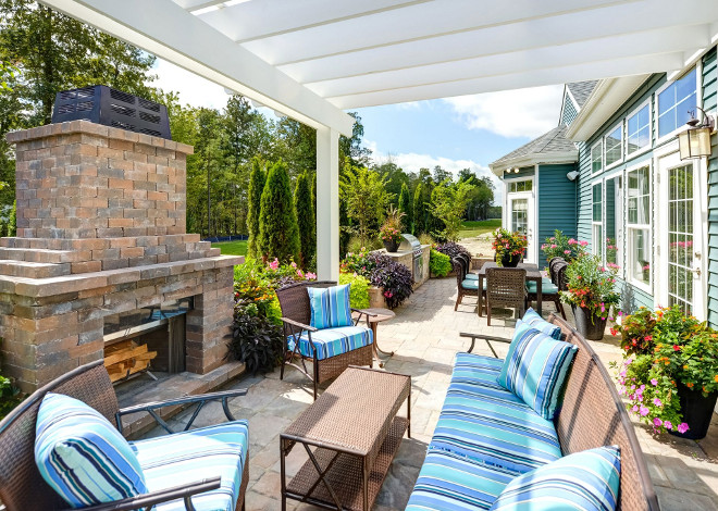 Empty Nester Home Backyard. Empty Nester Home Backyard Ideas. You don't need to have a big backyard to have enough space to entertain. This patio features an outdoor living area and an outdoor dining area. Empty Nester Home Backyard Design #EmptyNesterHomeBackyard #EmptyNesterBackyard #EmptyNester #Backyard Echelon Interiors