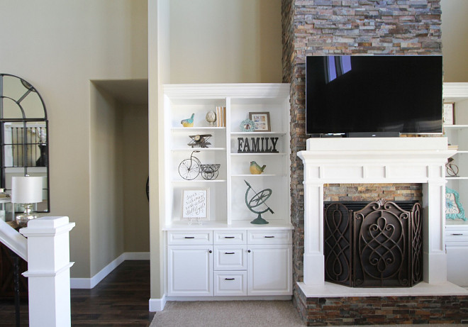 Family room Stone fireplace and built ins. Family room Stone fireplace and built in ideas. Family room Stone fireplace and built ins #Familyroom #Stonefireplace #builtins Home Bunch's Beautiful Homes of Instagram @AshleysDecorSpace_