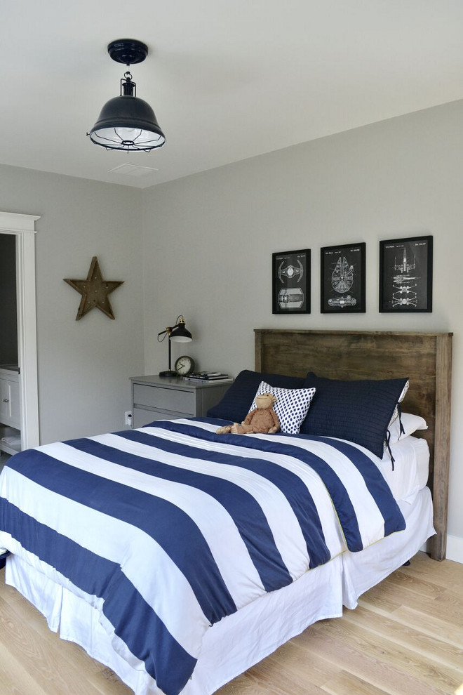 Farmhouse Kids Bedroom Paint Color Repose Gray by Sherwin Williams. Repose Gray by Sherwin Williams. Repose Gray by Sherwin Williams #ReposeGraybySherwinWilliams #kidsfarmhousebedroom #paintcolor Home Bunch's Beautiful Homes of Instagram @sweetthreadsco