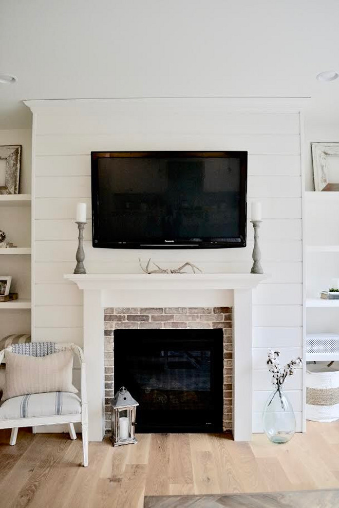 Farmhouse shiplap brick fireplace. The shiplap fireplace is one of my favorite features of the room and gives the room some added character #farmhouse #shiplap #brick #fireplace Home Bunch's Beautiful Homes of Instagram @sweetthreadsco
