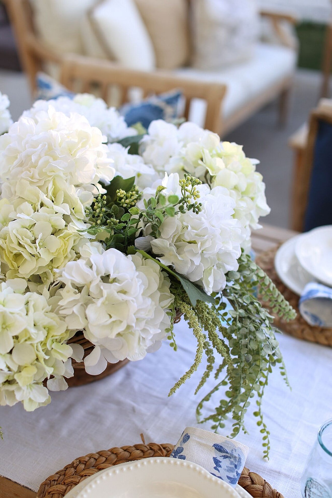 Outdoor Dining Room Flower Arrangement Ideas. Outdoor Wedding Dining Room Flower Arrangement Ideas. Outdoor Dining Room Flower Arrangement Ideas #Outdoor #wedding #DiningRoom #FlowerArrangement Home Bunch's Beautiful Homes of Instagram @cambridgehomecompany