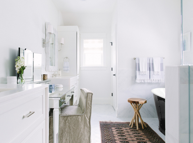 White Bathroom Paint Color Benjamin Moore OC 117 Simply White. White Bathroom Paint Color Benjamin Moore OC 117 Simply White. White Bathroom Paint Color Benjamin Moore OC 117 Simply White #WhiteBathroomPaintColor #WhiteBathroom #PaintColor #BenjaminMooreOC117SimplyWhite Kate Marker Interiors