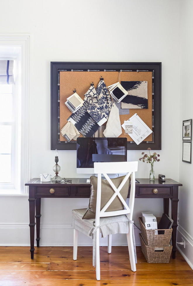 Cork boards prove a valuable way to keep organized. Whether putting together an inspiration board for a client project or just pinning up notes to myself… they are always in use. Pin board. Home office pin board #pinboard #homeoffice Home Bunch's Beautiful Homes of Instagram Cynthia Weber Design @Cynthia_Weber_Design