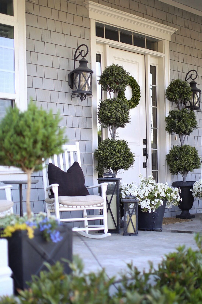Porch Planters and Decor. Porch Planters and Decor. Porch Planters and Decor. Porch Planters and Decor. Porch Planters and Decor #Porch #Planters #PorchDecor Home Bunch's Beautiful Homes of Instagram @cambridgehomecompany