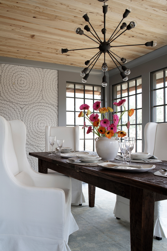 Schumacher's Feather Bloom Grasscloth Wallpaper. Dining room features Schumacher's Feather Bloom Grasscloth Wallpaper. Schumacher's Feather Bloom Grasscloth Wallpaper #Schumacher #FeatherBloomGrasscloth #Wallpaper Christopher Architecture & Interiors