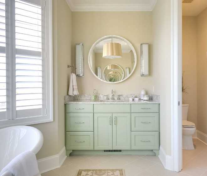 Sherwin Williams Wool Skein. Neutral Bathroom Paint Color Sherwin Williams Wool Skein #SherwinWilliamsWoolSkein Echelon Interiors