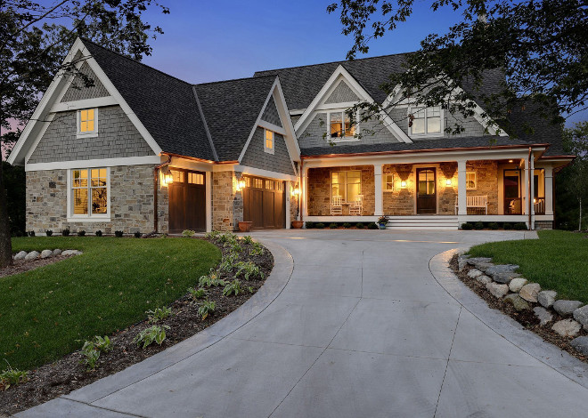 Shingle home Garage door ideas. Shingle home Garage doors. Shingle home Garage door ideas #Shinglehome #Garagedoors Stonewood LLC