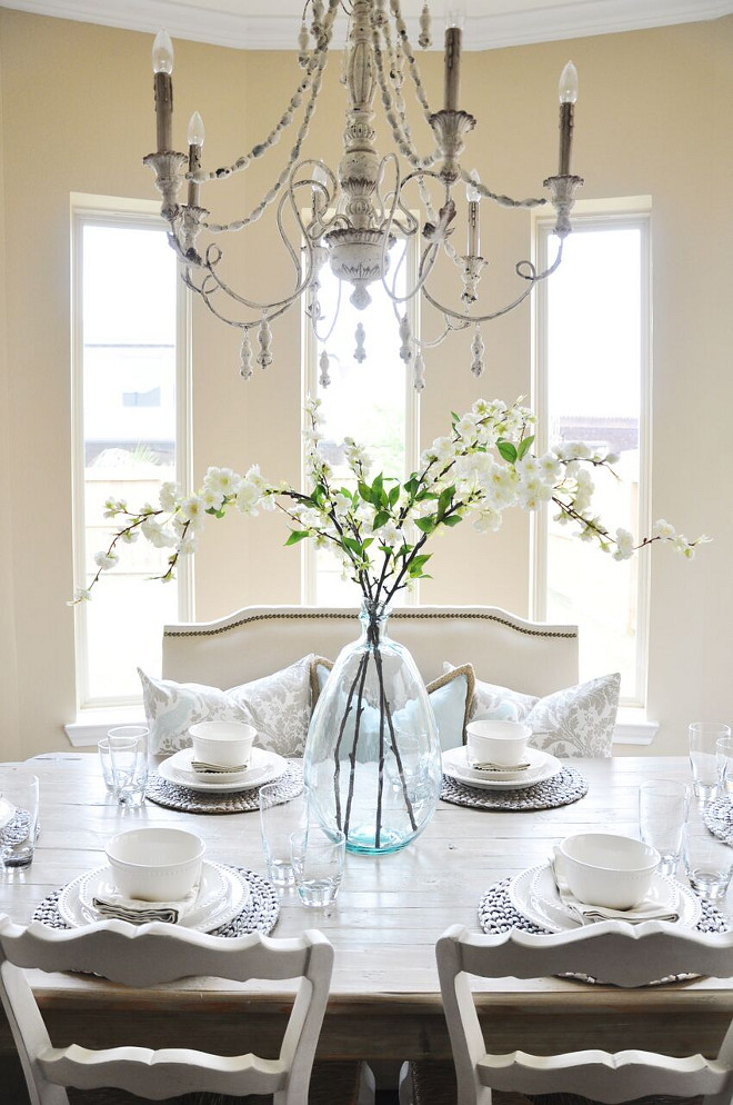 Dining room Decor. Dining room Decor. Dining room Decor. Dining room Decor #DiningroomDecor Home Bunch's Beautiful Homes of Instagram @thegracehouse