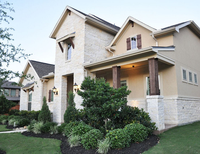 Exterior Stone and Stucco Ideas. Stone: Alamo Cream Chop. Exterior Stone and Stucco Ideas. Exterior Stone and Stucco Ideas. Exterior Stone and Stucco Ideas #ExteriorStoneandStucco #ExteriorStoneandStuccoIdeas Home Bunch's Beautiful Homes of Instagram @thegracehouse