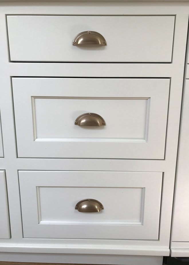 Cabinet Pulls. Kitchen cabinet pulls. Cabinet Pulls are Atlas Homewares A818-CM Successi Bin Cup Pull, Champagne Finish. . Kitchen cabinet pulls #CabinetPulls #Kitchencabinetpulls Home Bunch Interior Design