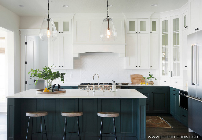 Dunn Edwards Midnight Spruce. Dunn Edwards Midnight Spruce paint color Dunn Edwards Midnight Spruce. Cabinet and island paint color is Dunn Edwards Midnight Spruce #DunnEdwardsMidnightSpruce Judith Balis Interiors