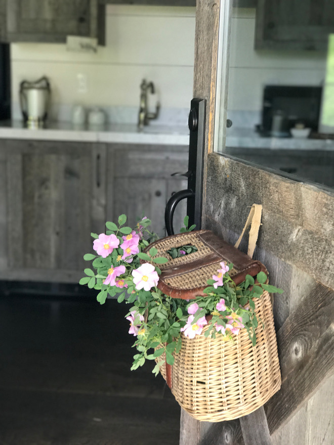 Farmhouse Barnwood Door Flower Basket. Farmhouse Barnwood Door Flower Basket. Farmhouse Barnwood Door Flower Basket. Farmhouse Barnwood Door Flower Basket #Farmhouse #BarnwoodDoor #FlowerBasket Beautiful Homes of Instagram @SanctuaryHomeDecor