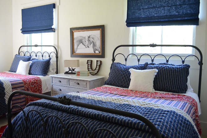 Farmhouse Blue and white bedroom. Farmhouse Blue and white bedroom decor. Quilt Farmhouse Blue and white bedroom #FarmhouseBlueandwhitebedroom #Blueandwhitebedroom #farmhousebedroom #quilt #farmhouse Beautiful Homes of Instagram @SanctuaryHomeDecor