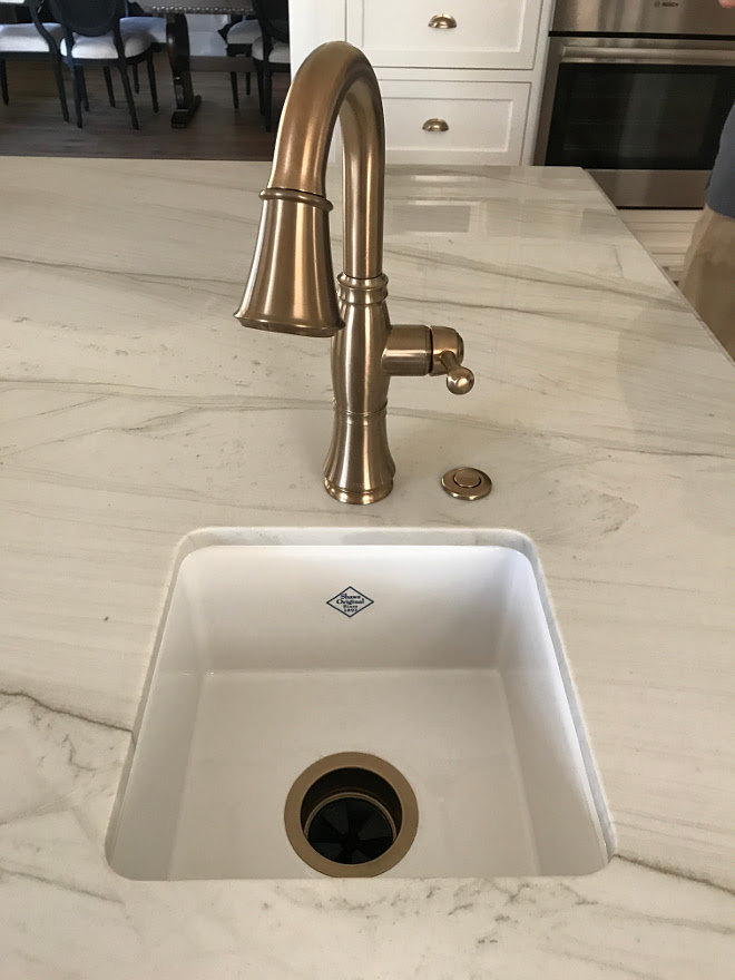 Island Sink and faucet. Kitchen Island Sink and faucet. Faucet is Delta Cassidy Faucet in Champagne Bronze. Sink is Rohl Shaw Prep sink. Island Sink and faucet ideas. Kitchen Island Sink and faucet ideas #IslandSink #islandfaucet #kitchenIslandSink #kitchenIslandfaucet Home Bunch Interior Design