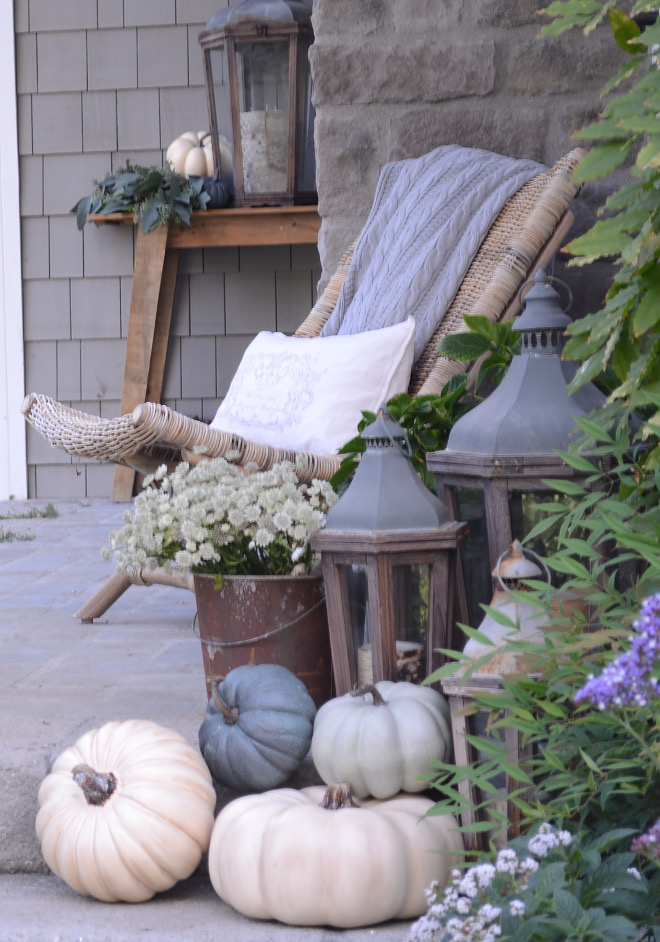Neutral Fall Decor with white and grey pumpkins. Neutral Fall Decor. White pumpkins. Grey pumpkins #NeutralFallDecor #Whitepumpkins #Greypumpkins @sanctuaryhomedecor
