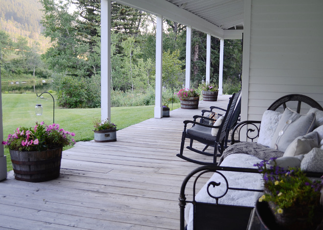Porch. Farmhouse porch. Porch. Farmhouse porch. Porch. Farmhouse porch. Porch. Farmhouse porch #Porch #Farmhouse #farmhouseporch Beautiful Homes of Instagram @SanctuaryHomeDecor