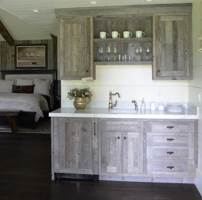 Reclaimed wood kitchenette. Reclaimed wood kitchenette. Farmhouse cabin with Reclaimed wood kitchenette #Reclaimedwood #kitchenette Beautiful Homes of Instagram @SanctuaryHomeDecor