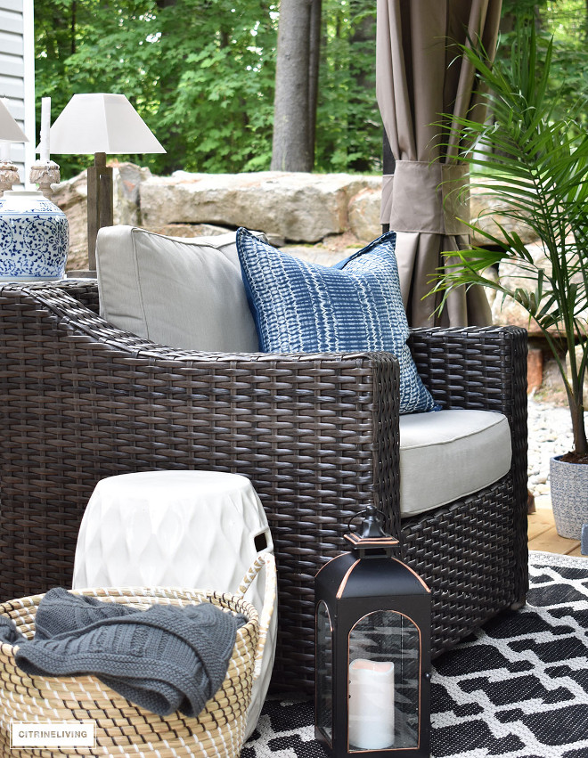 outdoor-lounge-area-club-chair-wicker-blue-and-white-pillow-ginger-jar-black-and-white-rug-outdoor-lounge-area-club-chair-wicker-blue-and-white-pillow-ginger-jar-black-and-white-rug-outdoor-lounge-area-club-chair-wicker-blue-and-white-pillow-ginger-jar-black-and-white-rug Beautiful Homes of Instagram @citrineliving Home Bunch