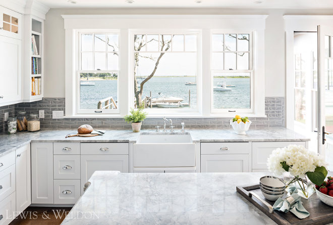 Beach house kitchen. Beach house kitchen windows. KItchen window. Beach house kitchen windows #Beachhousekitchen #kitchenwindows #windows #kitchens Lewis & Weldon Custom Kitchens