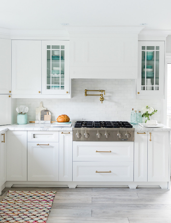 Benjamin Moore CC-20 Decorator's White. Benjamin Moore CC-20 Decorator's White Cabinet paint color Benjamin Moore CC-20 Decorator's White kitchen paint color #BenjaminMooreCC20DecoratorsWhite Simply Beautiful Eating