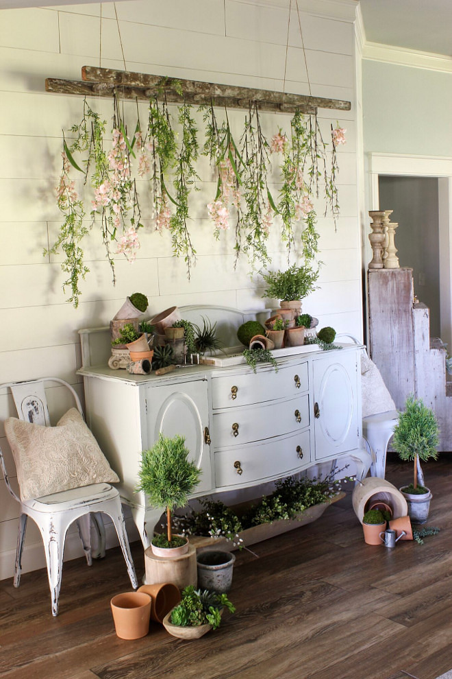DIY Entryway with Hanging Flowers. DIY Decor DIY hanging faux flowers using vintage ladder and thread #DIY #Decor #FarmhouseDIY #DIYfarmhouse #DIYdecor Home Bunch Beautiful Homes of Instagram @cottonstem