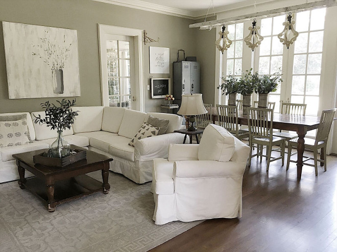 Farmhouse family room. Farmhouse family room. Farmhouse family room. Farmhouse family room. Farmhouse family room #Farmhousefamilyroom Beautiful Homes of Instagram @my100yearoldhome