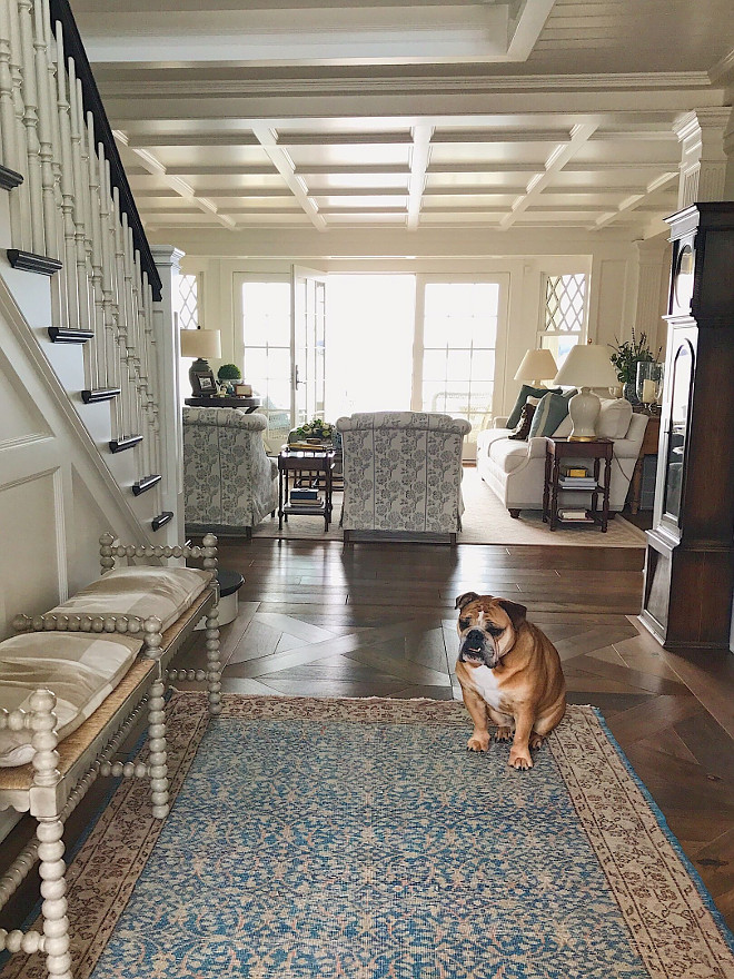 Foyer Decor. Foyer with vintage rug and spindle bench. Spindle bench is from Francis King showroom. Cushion in Schumacher plaid. Foyer decor #foyer #decor #foyerdecor #vintageryg #spindlebench #foyerbench Beautiful Homes of Instagram @SweetShadyLane