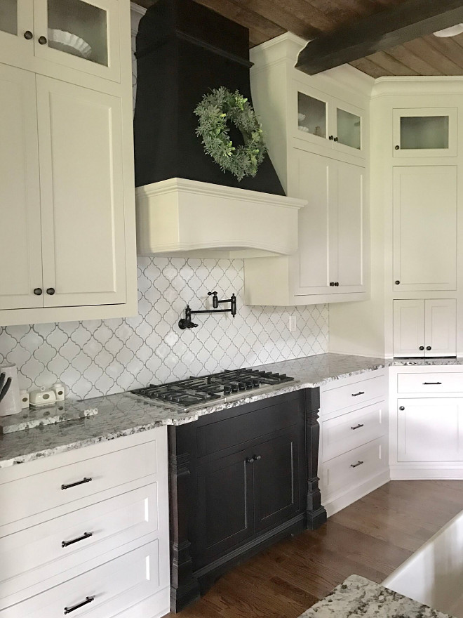 Kitchen Arabesque Backsplash Tile. Tile is Villa Heirloom Linen Arabesque Porcelain Mosaic. Kitchen Arabesque Backsplash Tile. Kitchen Arabesque Backsplash Tile. Kitchen Arabesque Backsplash Tile #Kitchen #ArabesqueBacksplashTile Home Bunch Beautiful Homes of Instagram @mygeorgiahouse