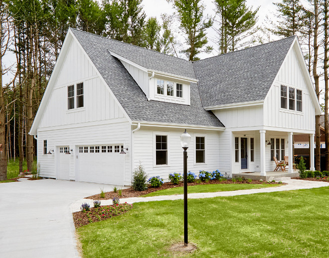 Modern Farmhouse with side entry garage with bonus room. Gorgeous modern farmhouse with side entry garage and bonus room above. Modern Farmhouse with side entry garage with bonus room. Modern Farmhouse with side entry garage with bonus room. Modern Farmhouse with side garage with bonus room #ModernFarmhouse #sideentrygarage #garage #garagebonusroom Miller Marriott Construction Co. LLC
