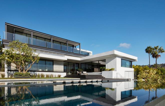Modern Infinity Pool. California Modern home infinity pool #infinitypool Horst Architects