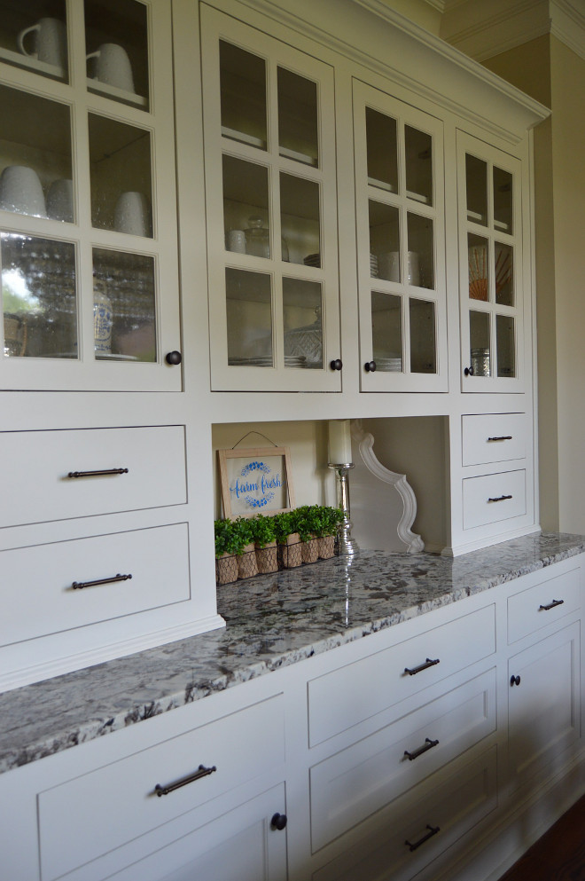 Sherwin Williams Alabaster SW 7008.. Sherwin Williams Alabaster SW 7008. Cabinets are Sherwin Williams Alabaster SW 7008. Countertop is Bianco Bono Granite. #SherwinWilliams labasterSW7008 Home Bunch Beautiful Homes of Instagram @mygeorgiahouse