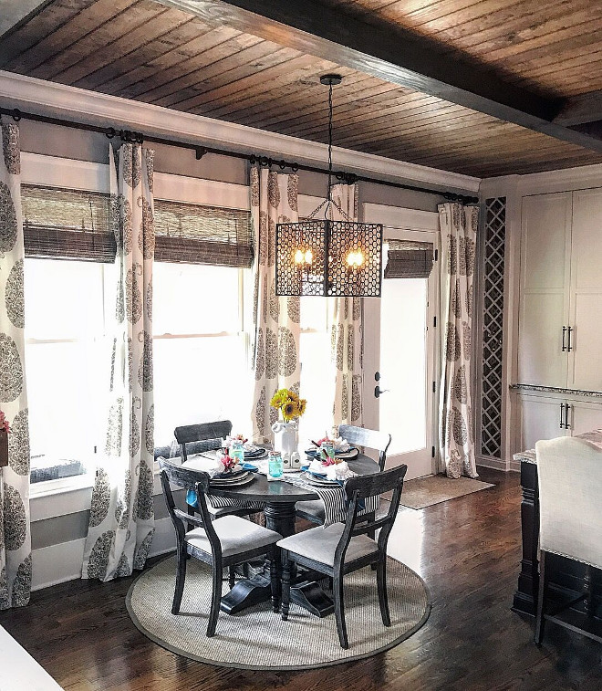Sherwin Williams Amazing Gray. Sherwin Williams Amazing Gray. Farmhouse breakfast room paint color Sherwin Williams Amazing Gray. Sherwin Williams Amazing Gray #SherwinWilliamsAmazingGray