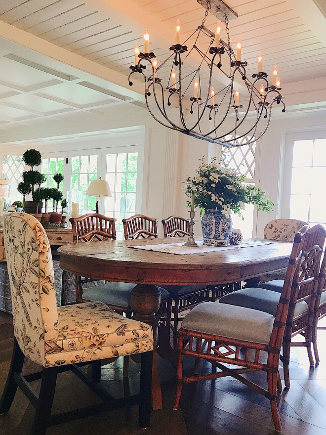 Traditional Coastal Dining room. Lakehouse Traditional Coastal Dining room. Chandelier is Lowcountry Originals Spring Island Oval Basket Chandelier. Traditional Coastal Dining room. Traditional Coastal Dining room #TraditionalCoastalDiningroom Beautiful Homes of Instagram @SweetShadyLane