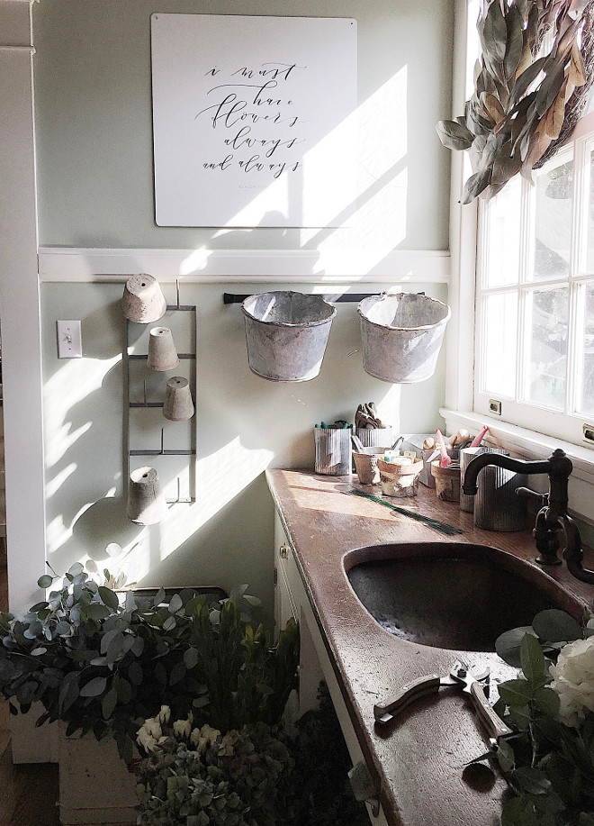 Vintage copper sink. Farmhouse Butlers pantry with vintage copper sink. Cabinets, wood countertops and copper sink are original to the house from 1915. #coppersink #vintagecoppersink #farmhouse Beautiful Homes of Instagram @my100yearoldhome