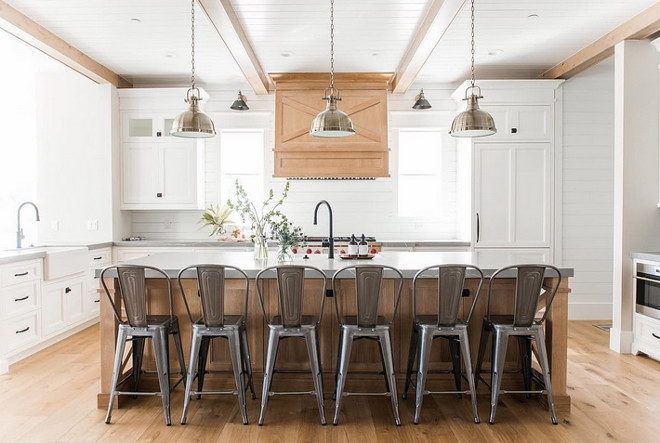 White Oak and white cabinets Farmhouse Kitchen. White Oak and white cabinets Farmhouse Kitchen. White Oak and white cabinets Farmhouse Kitchen. White Oak and white cabinets Farmhouse Kitchen #WhiteOakkitchen #whitecabinets #FarmhouseKitchen