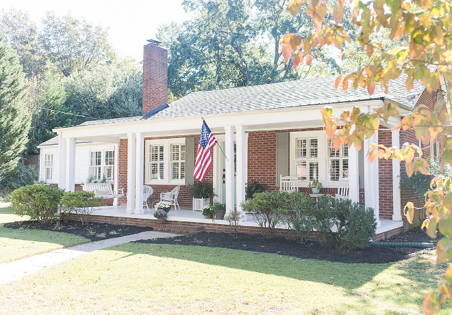 Brick bungalow with porch Brick bungalow with porch Classic brick bungalow exterior with front porch #Brickbungalow #porch