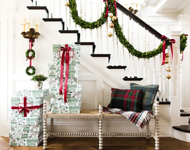 Christmas Foyer Decorating Ideas Really beautiful Christmas Foyer Decorating Ideas #ChristmasFoyerDecoratingIdeas