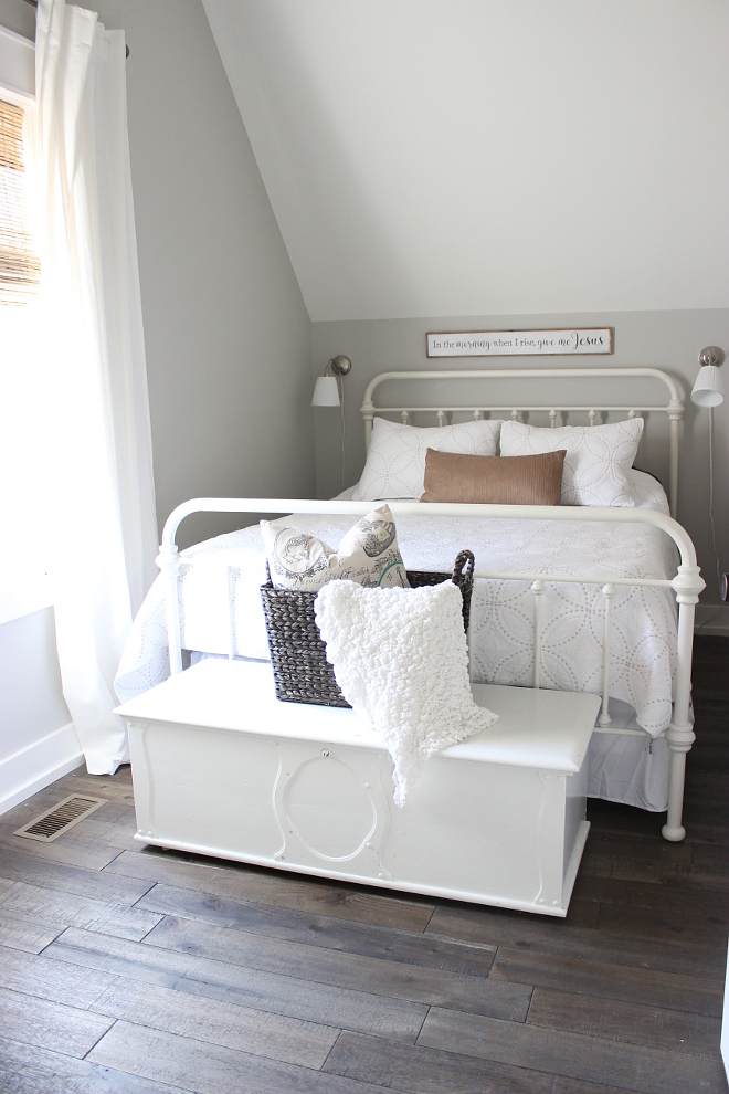 Grey Farmhouse Bedroom with metal bed and white bedding Grey Farmhouse Bedroom with metal bed and white bedding Grey Farmhouse Bedroom with metal bed and white bedding Grey Farmhouse Bedroom with metal bed and white bedding #GreyFarmhouseBedroom #FarmhouseBedroom #GreyBedroom #metalbed #whitebedding Beautiful Homes of Instagram Home Bunch @crateandcottage