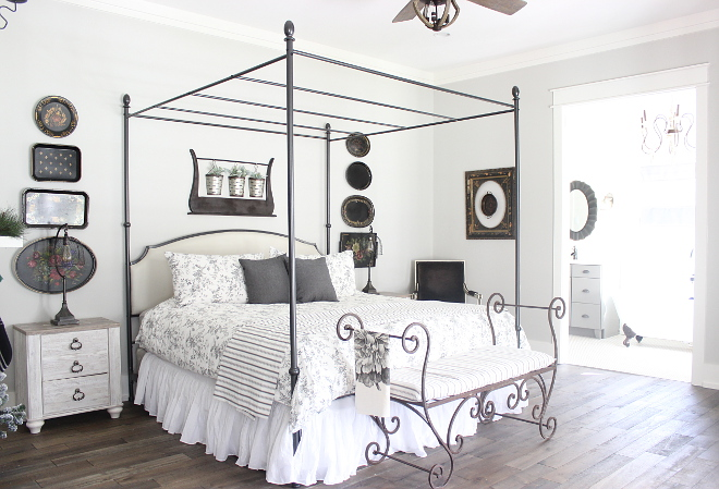 Light Grey Farmhouse Bedroom Light Grey Farmhouse Bedroom #LightGreyFarmhouseBedroom Beautiful Homes of Instagram Home Bunch @crateandcottage